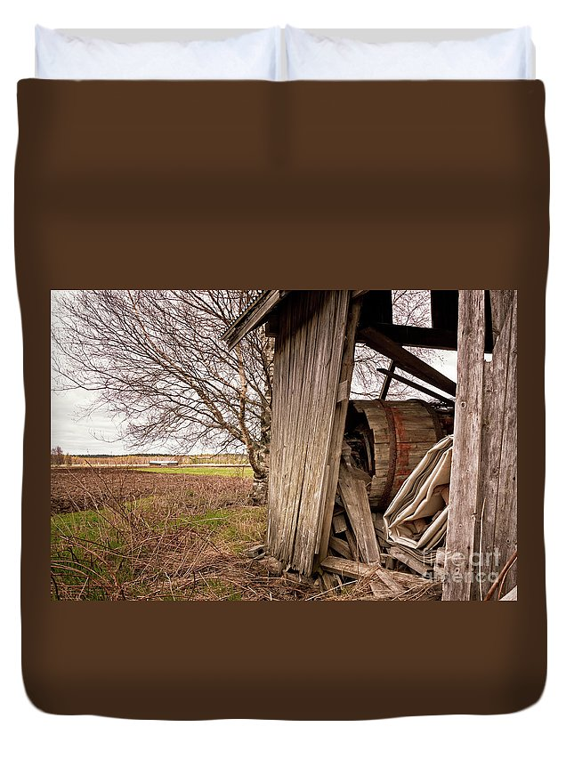 Copy Space Duvet Cover featuring the photograph Debris In An Old Barn by Jukka Heinovirta