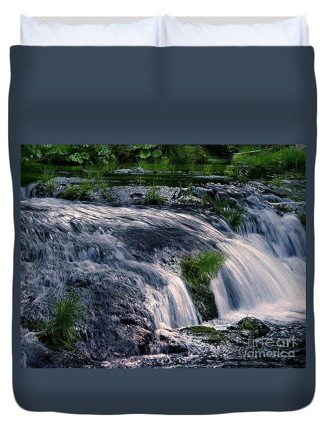 Creek Duvet Cover featuring the photograph Deer Creek 01 by Peter Piatt
