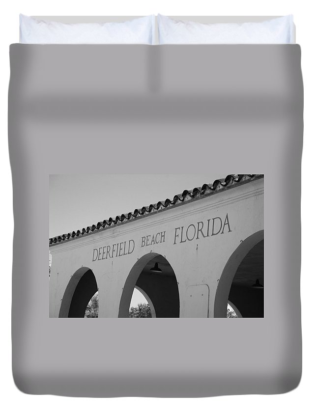 Black And White Duvet Cover featuring the photograph Deerfield Beach Florida by Rob Hans