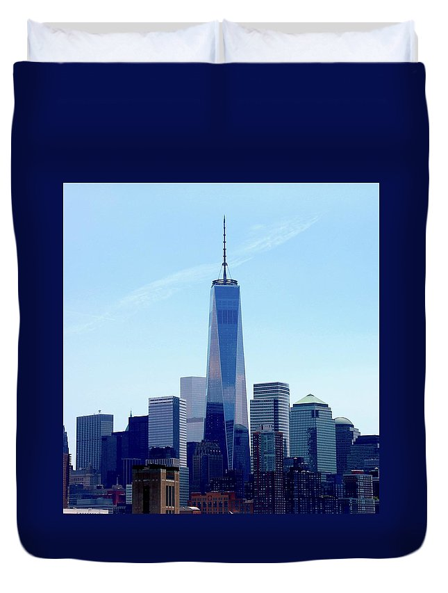 Freedom Tower Duvet Cover featuring the photograph Defiance by Liz DiMenno