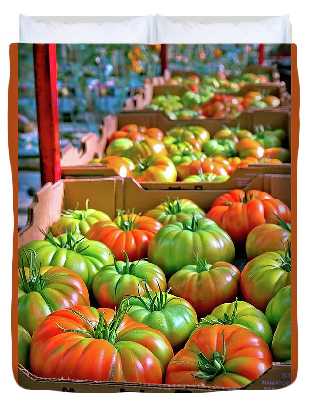 Tomatoes Duvet Cover featuring the photograph Delicious Tomatoes by Linda Unger