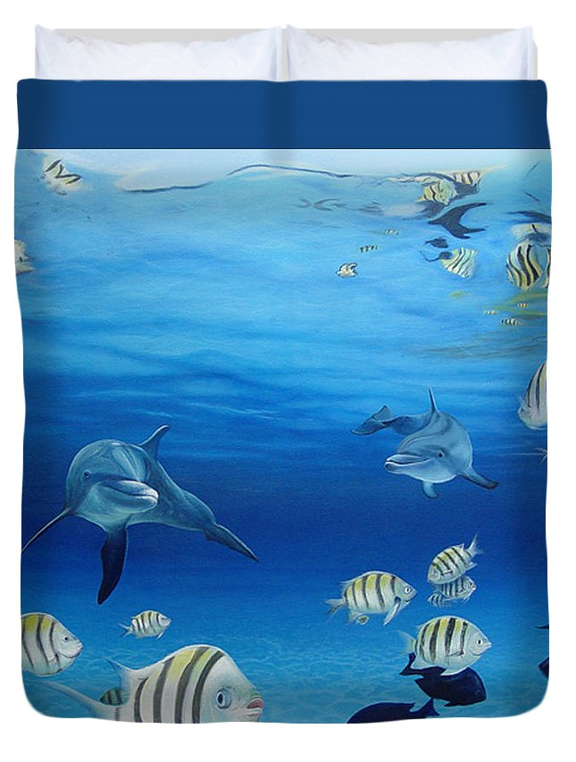 Seascape Duvet Cover featuring the painting Delphinus by Angel Ortiz