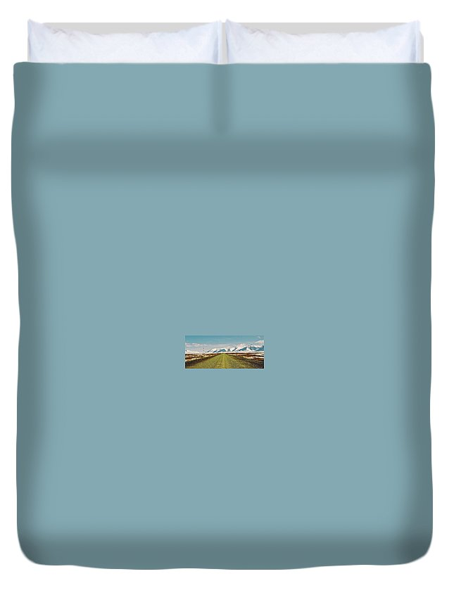 North America Duvet Cover featuring the photograph Dempster Highway - Yukon by Juergen Weiss