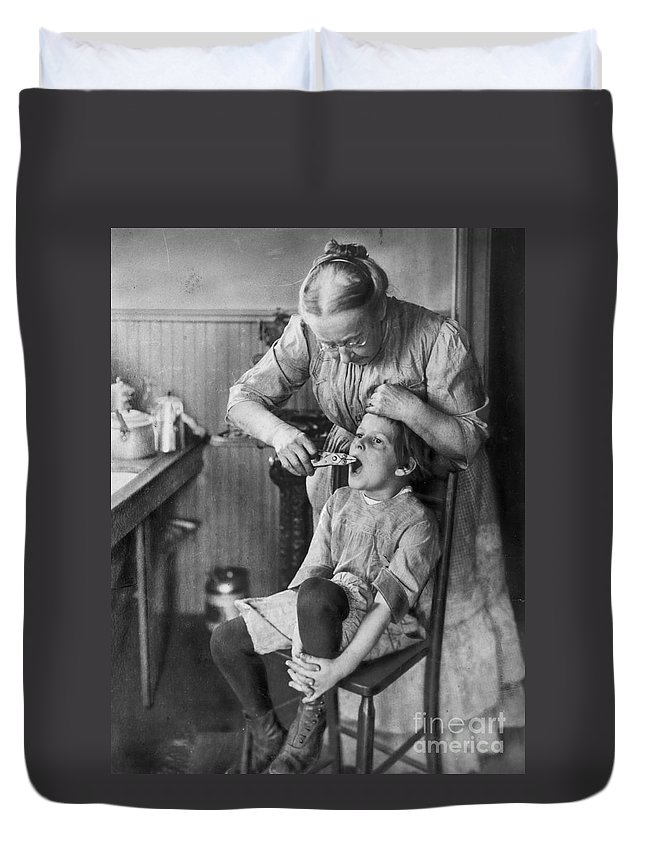 1920s Duvet Cover featuring the photograph Dentistry, 1920s - To License For Professional Use Visit Granger.com by Granger