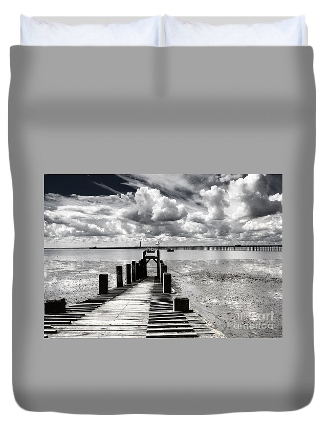 Wharf Southend Essex England Beach Sky Duvet Cover featuring the photograph Derelict Wharf by Sheila Smart Fine Art Photography