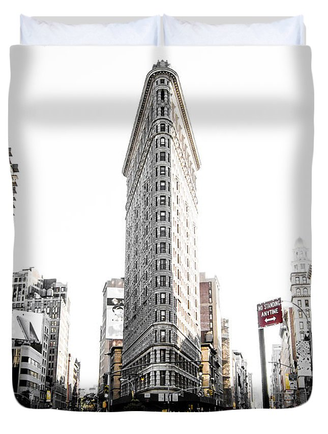 Street Duvet Cover featuring the photograph Desaturated New York by Nicklas Gustafsson