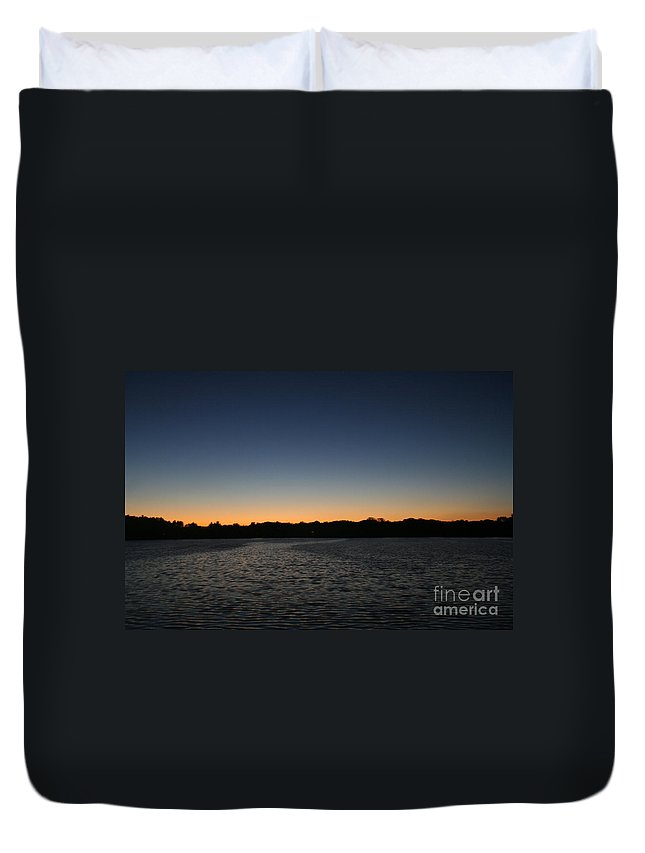 Wisconsin Duvet Cover featuring the photograph Descending by Jamie Lynn