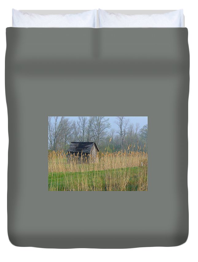 Old Buildings Duvet Cover featuring the photograph Deserted by Peggy King