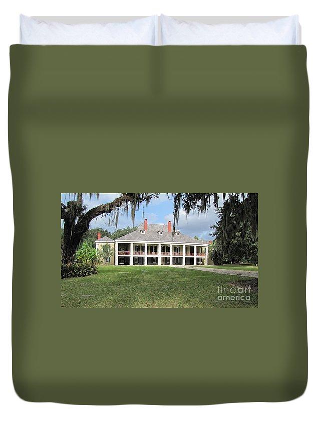 Plantation Home Duvet Cover featuring the photograph Destrehan Plantation by Michelle Powell