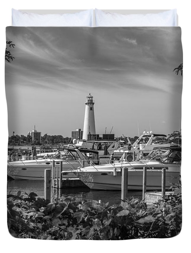 Detroit Riverfront Duvet Cover featuring the photograph Detroit Lighthouse And Marina 3 Black And White by John McGraw