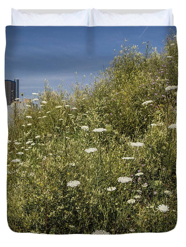 Duvet Cover featuring the photograph Detroit Renaissance Center And Queens Ann's Lace by John McGraw