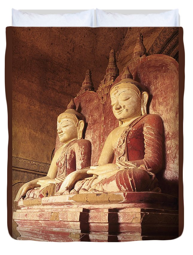 Angle Duvet Cover featuring the photograph Dhammayangyi Temple Buddhas by Gloria & Richard Maschmeyer - Printscapes