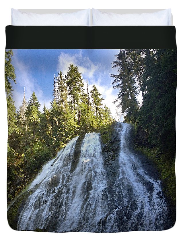Clearwater Falls Duvet Cover featuring the photograph Diamond Creek Falls by Ingrid Smith-Johnsen