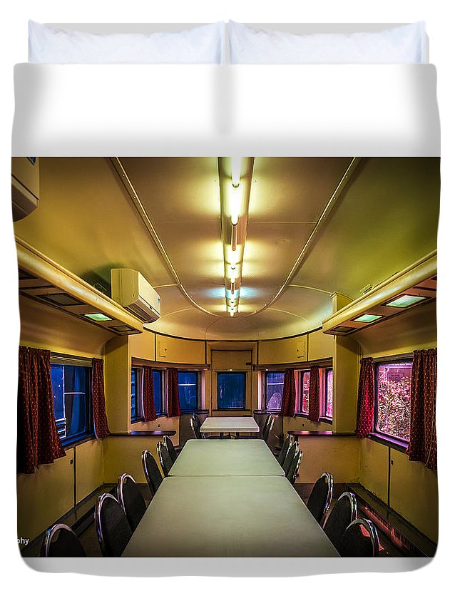 Railroad Duvet Cover featuring the photograph Dining In Style by Nancy Scofield