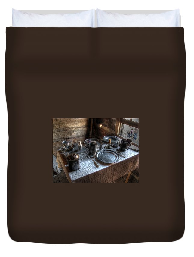 Dinner Duvet Cover featuring the photograph Dinner Is Served by Jane Linders