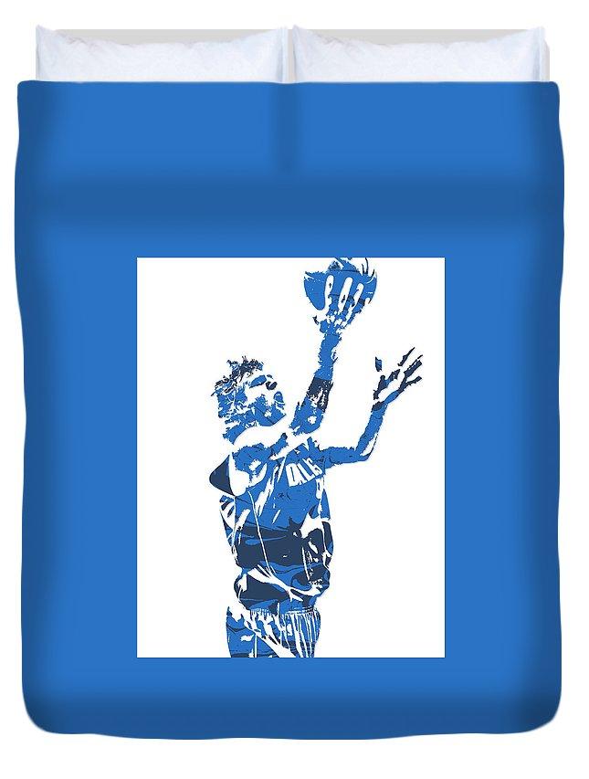 Dirk Nowitzki Duvet Cover featuring the mixed media Dirk Nowitzki Dallas Mavericks Pixel Art 5 by Joe Hamilton