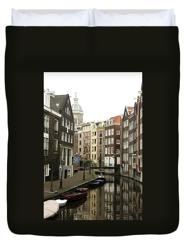 Landscape Amsterdam Red Light District Duvet Cover featuring the photograph Dnrh1101 by Henry Butz