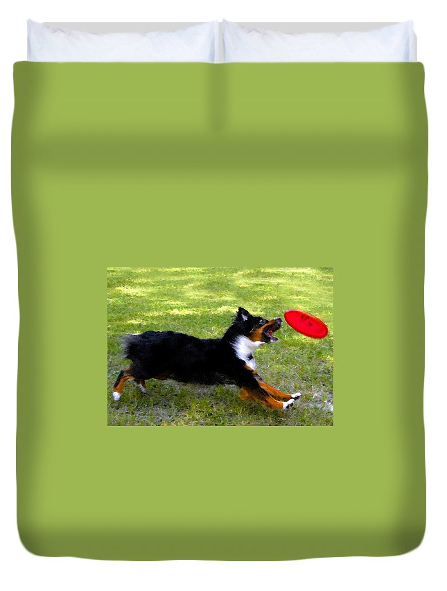 Frisbee Duvet Cover featuring the painting Dog And Red Frisbee by David Lee Thompson