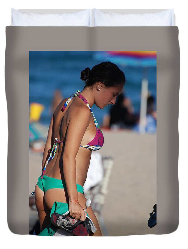 Girl Duvet Cover featuring the photograph Domino by Rob Hans