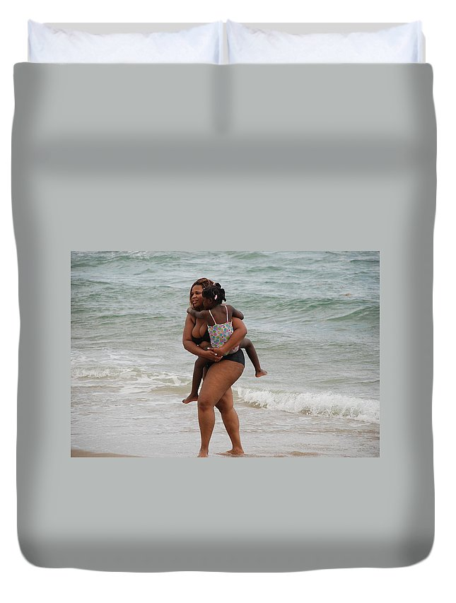 Sea Scape Duvet Cover featuring the photograph Done For The Day by Rob Hans
