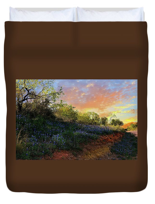 Landscape Duvet Cover featuring the photograph Donup Road by Michael Norwood