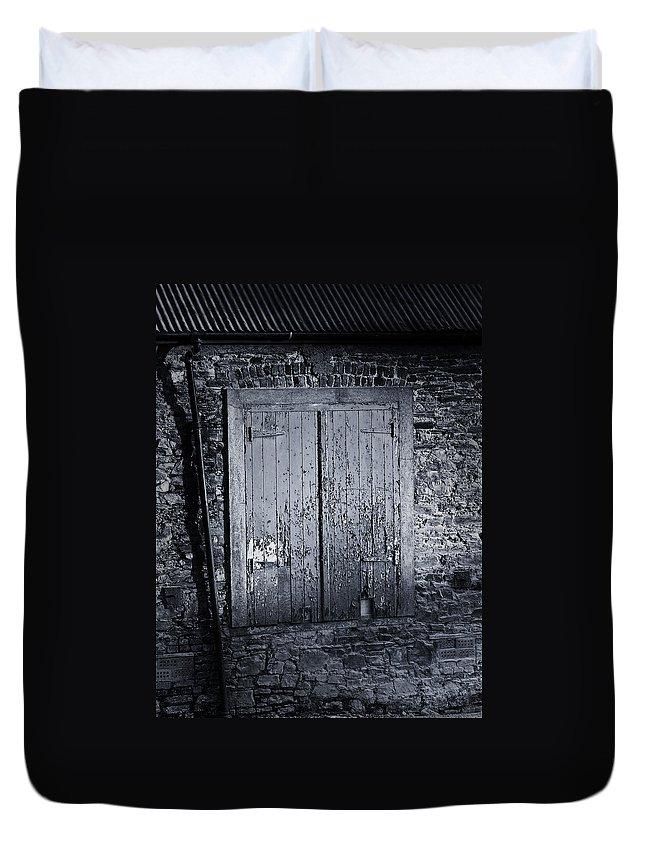 Irish Duvet Cover featuring the photograph Door To Nowhere Blarney Ireland by Teresa Mucha