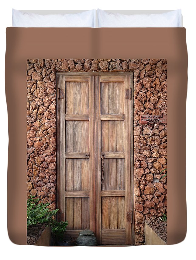 Earthtones Duvet Cover featuring the photograph Doorway Steps Back In Time by Kim Chernecky