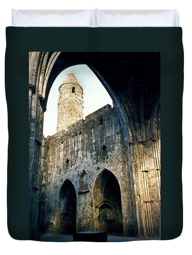 Scotland Duvet Cover featuring the photograph Doorways To The Cashel Castle by Douglas Barnett