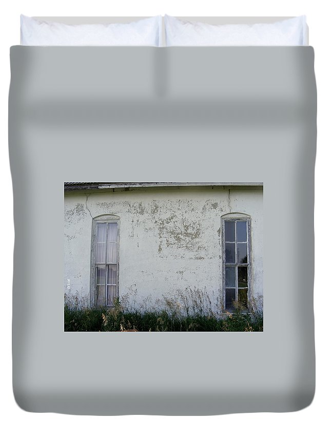 Double Vision Duvet Cover featuring the photograph Double Vision by Ed Smith