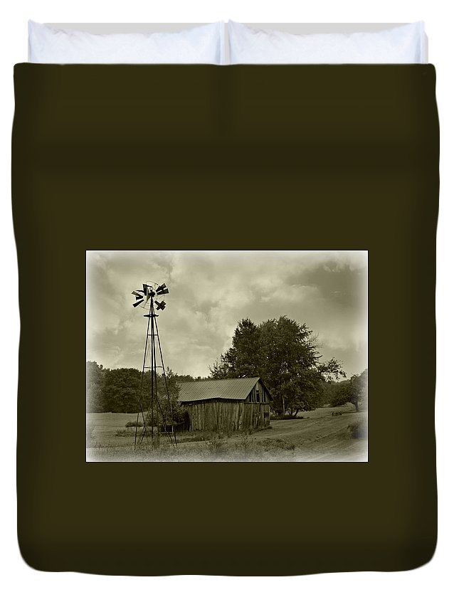 Barn Duvet Cover featuring the photograph Down Memory Lane by Scott Ward