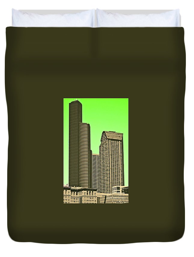 Columbia Duvet Cover featuring the photograph Downtown Hi-rise by Tracy Long