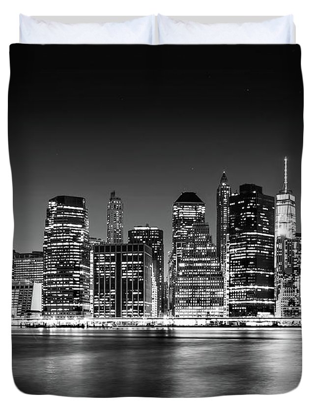 One World Trade Center Duvet Cover featuring the photograph Downtown Manhattan Bw by Az Jackson