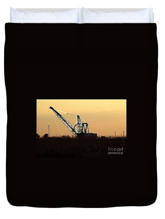 Drag Line Duvet Cover featuring the photograph Drag Line by David Lee Thompson