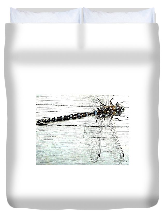 Insect Duvet Cover featuring the photograph Dragonfly by Will Borden