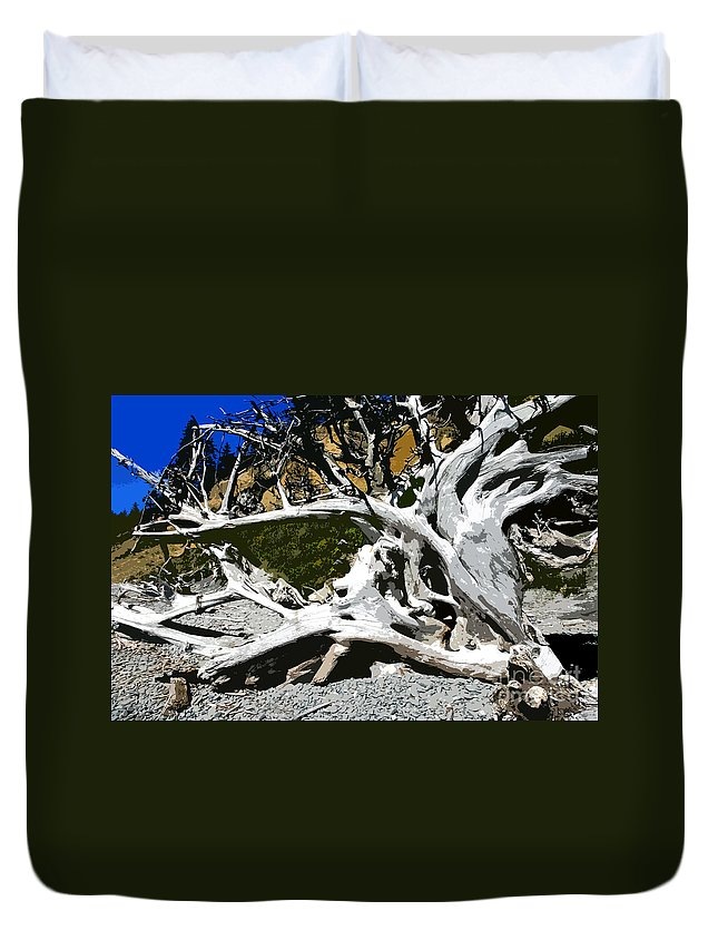 Drift Wood Duvet Cover featuring the painting Drift Wood by David Lee Thompson