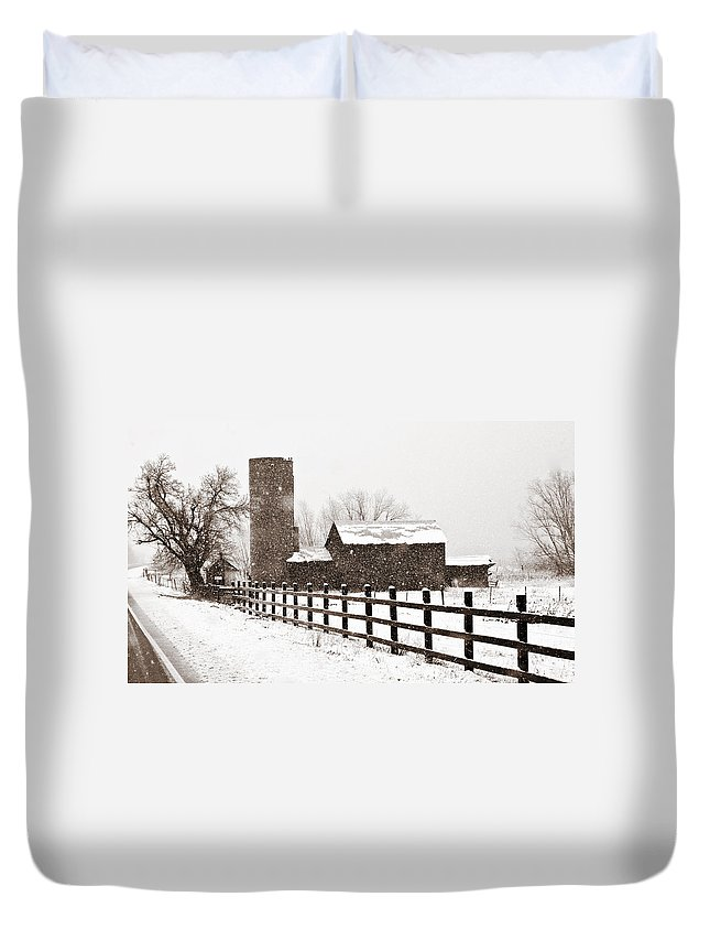 Americana Duvet Cover featuring the photograph Driving Down Cherryvale by Marilyn Hunt