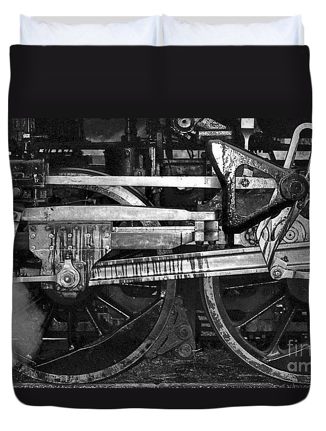 Trains Duvet Cover featuring the photograph Driving Wheels by Richard Rizzo