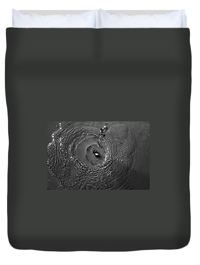 Water Duvet Cover featuring the photograph Drop by Fae Scalmazzi