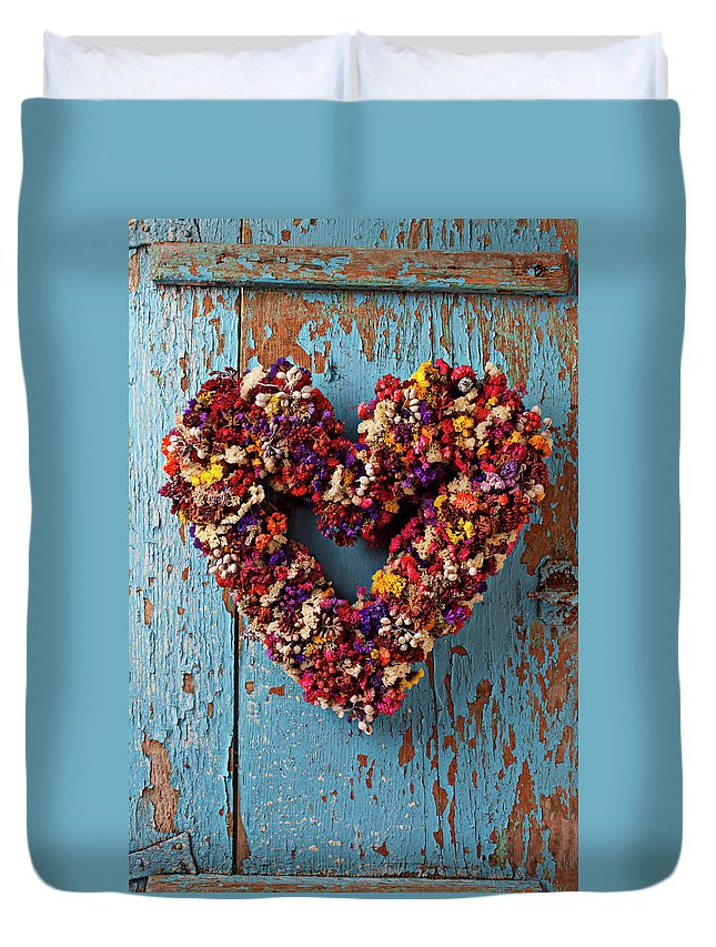Dry Flower Wreath Duvet Cover featuring the photograph Dry Flower Wreath On Blue Door by Garry Gay