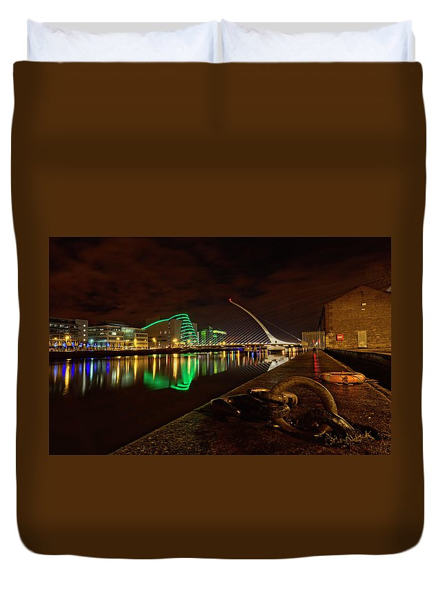 Dublin Duvet Cover featuring the photograph Dublin's Samuel Beckett Bridge At Night by Craig Fildes