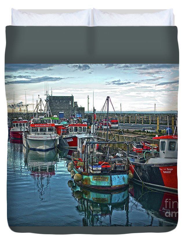 Dun Laoghaire Duvet Cover featuring the photograph Dun Laoghaire 15 by Alex Art and Photo