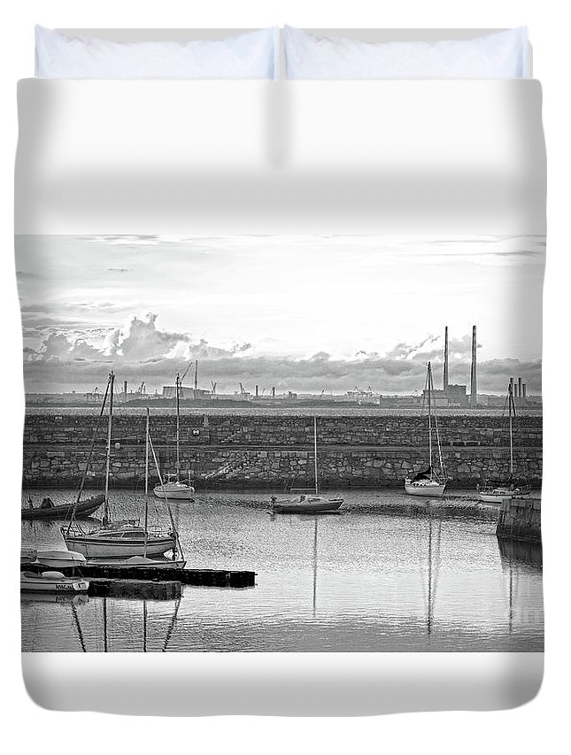Dun Laoghaire Duvet Cover featuring the photograph Dun Laoghaire 4 by Alex Art and Photo