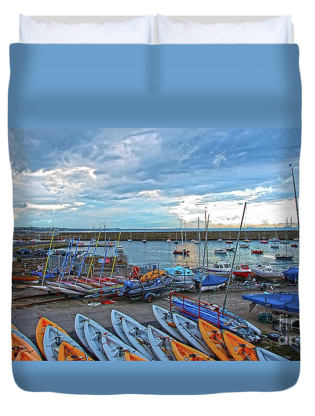 Dun Laoghaire Duvet Cover featuring the photograph Dun Laoghaire 8 by Alex Art and Photo