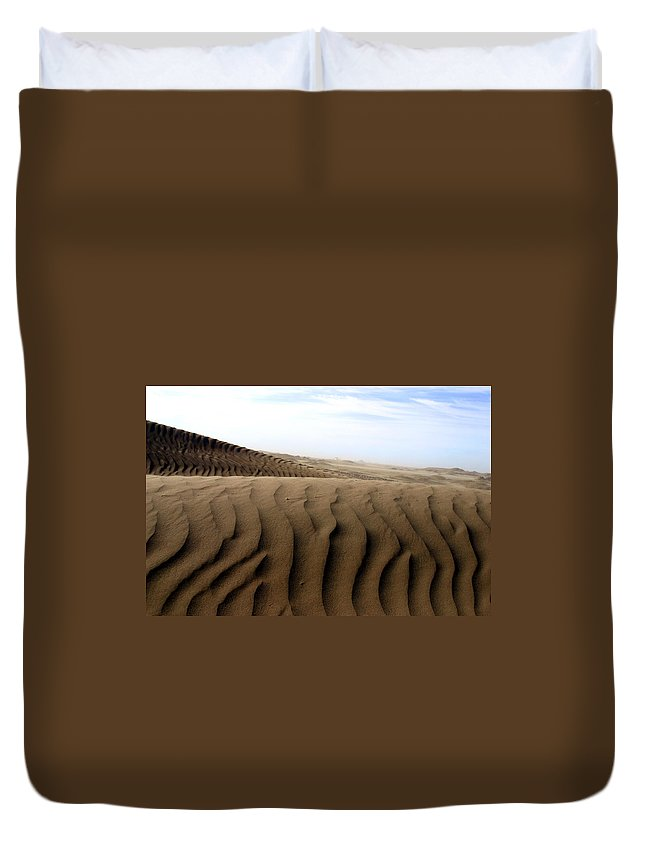 Sand Dunes Duvet Cover featuring the photograph Dunes Of Alaska by Anthony Jones