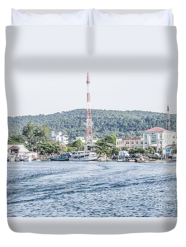 Vietnam Duvet Cover featuring the photograph Duong Dong by D R