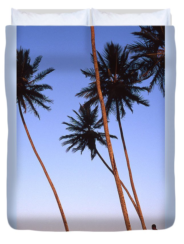 Bahia Duvet Cover featuring the photograph Dusk In Morro by Patrick Klauss
