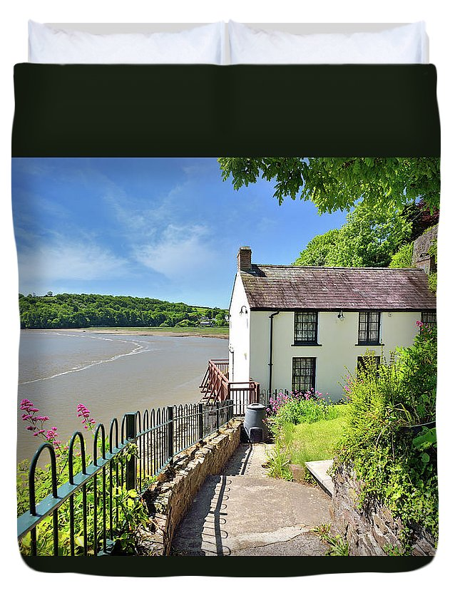 Dylan Thomas Duvet Cover featuring the photograph Dylan Thomas Boathouse 4 by Phil Fitzsimmons