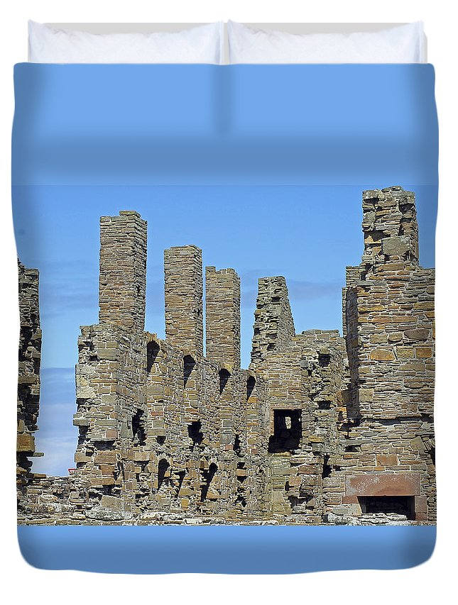 Earl's Palace Duvet Cover featuring the photograph Earl's Palace by Tony Murtagh