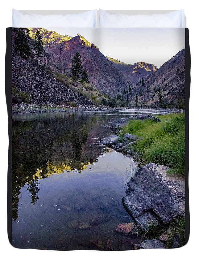 River Duvet Cover featuring the photograph Early Departure by Link Jackson