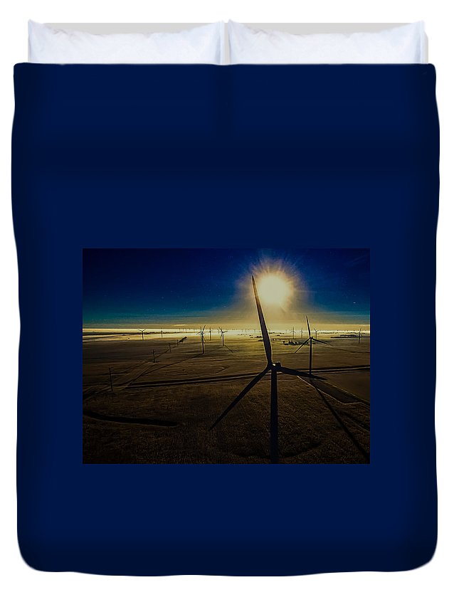 Twin Groves Duvet Cover featuring the photograph Early Morning Flight 1 by Jim Finch